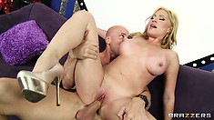 Blond mommy lets Johnny Sins ram his anaconda into her snatch