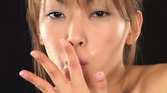 Hot Japanese babes try to see who can hold the most cum in their mouths