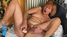 Juicy cock-tease Susan is enjoying her alone-time with a dildo