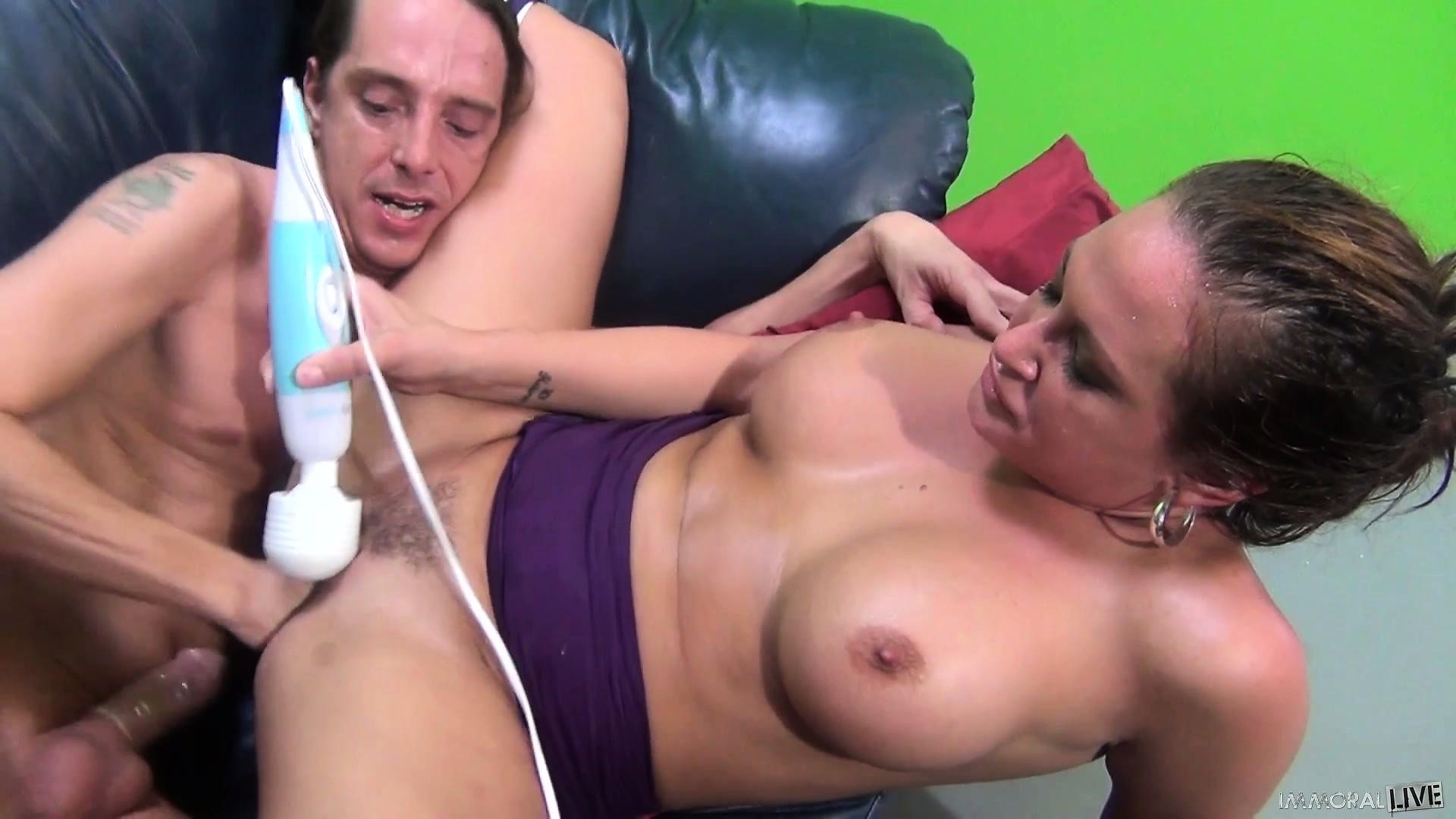 Hottest girl naked ahving sex