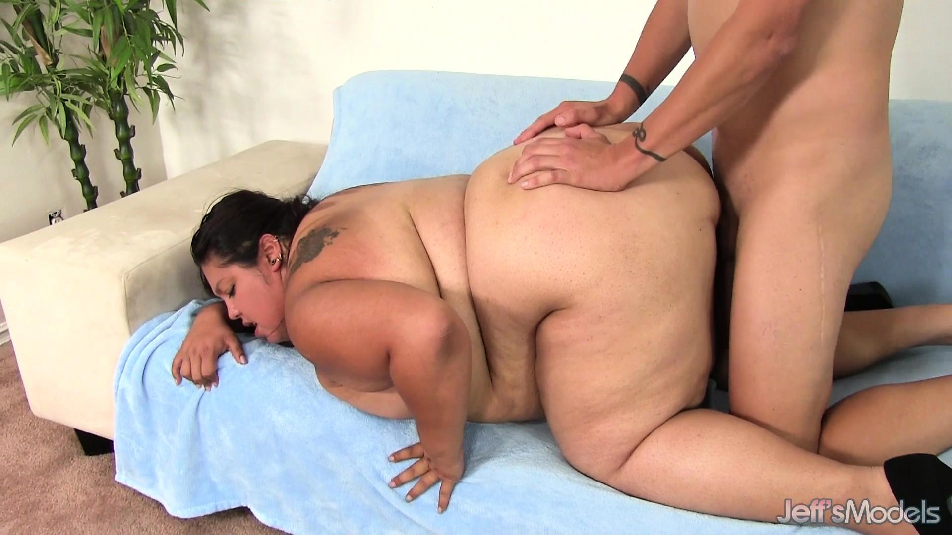 threesome porn downloads