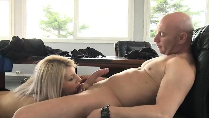 топку Снеговик Смотреть порно с caprice этом что-то есть идея
