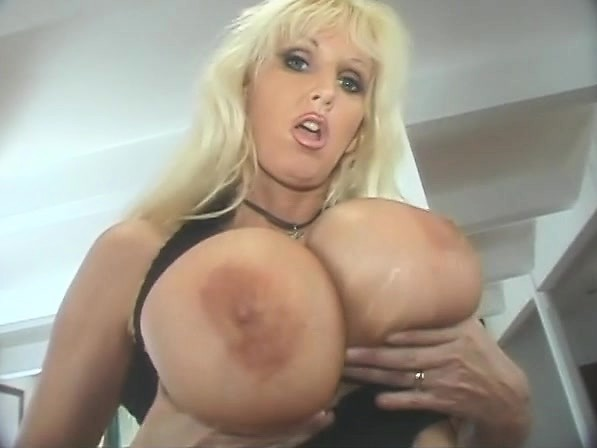 Amatuer wife big tits