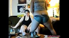 Lesbian Threesome Mutual Masturbation